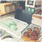 セリア/水切りカゴ/ファイヤーキング風/Kitchen…などのインテリア実例