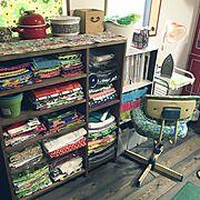 My Shelf/生活感/レトロ卓上ライト/RC高知支部/生地棚/DIY…などのインテリア実例