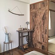 古道具/壁紙/DIY/壁紙屋本舗/引き戸/ミシン脚…などのインテリア実例