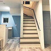 モザイクタイル/リビング階段/ブルーグレーの壁/ホワイトオーク/ラシッサDフロア/入居前…などのインテリア実例