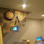 DIY/2階ホール/両面テープで貼れるDIYウッドタイル/スタイルストーン・モニター/モニター途中経過…などのインテリア実例