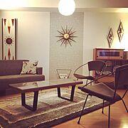 スパゲッティライト/飾り棚/賃貸/壁紙DIY/アイアン/ネルソンベンチ…などのインテリア実例