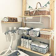 ラブリコ/DIY/白✖️茶色/こどもと暮らす/壁ディスプレイ/みなさんのインテリア参考に…などのインテリア実例