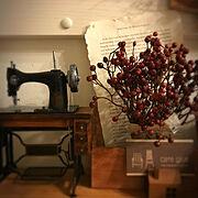 カフェ風/いいねやフォローありがとうございます/ミシンオブジェ/My Desk…などのインテリア実例