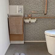 グレー好き/無印良品/TOTOトイレ/フロアタイル/グレーの床/タイル調クロス…などのインテリア実例