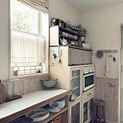 目指せカフェ風キッチン/DIY食器棚/ベルメゾンの食器棚/アルミのコランダー/朝の1枚…などのインテリア実例