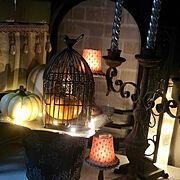 RoomClipドラマ化/アイアンの鳥籠/ハロウィン/ダイソーアンティーク調ライト/部屋全体…などのインテリア実例