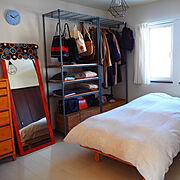 ベッドルーム/スチールラック/ルミナスラック/オープンクローゼット/ニトリ…などのインテリア実例