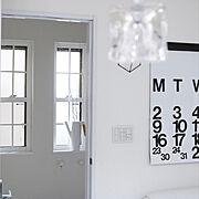 白い窓枠のインテリア実例写真