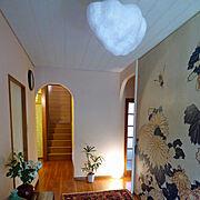 自分で自分好みのお家に/漆喰自分で塗った/漆喰/ピンク色の漆喰/壁紙大好き♡/セルフリフォームした玄関…などのインテリア実例