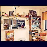 皆様良いお年を‼︎/キッチンカウンター/男前も可愛いも好き/DIY/食器棚…などのインテリア実例