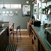 壁紙屋本舗/ブログよかったら見てみて下さい♩/塩ビ管DIY/タイル風の壁紙/コンクリート風壁紙…などのインテリア実例