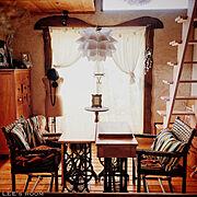 足踏みミシン/ラタンチェア/アトリエ風/趣味の部屋/トルソー/田舎暮らし…などのインテリア実例