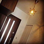 新築/星型ランプ/注文住宅/レンガ風壁紙/Entrance…などのインテリア実例