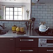 キッチン/ホーロー缶/男前もナチュラルも好き/格子窓枠DIY/丁寧に暮らしたい/シンプルな暮らし…などのインテリア実例