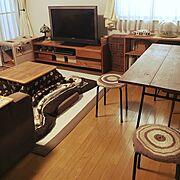 ダイニングテーブル/古い鉄脚をリメイクしたテーブル/茶色と黒/古いもの。/木とアイアン…などのインテリア実例
