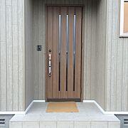 マイホーム記録/リクシルの玄関ドア/チェスナット/Entrance…などのインテリア実例