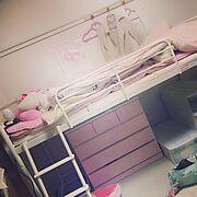 狭い部屋 /一人暮らし/6畳 賃貸/ピンク/ロフトベッド/ベット…などのインテリア実例