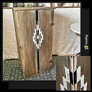 ボックスDIY/野地板DIY/オルテガ柄/メタルラス/クラッキングメディウム/エイジング塗装…などのインテリア実例