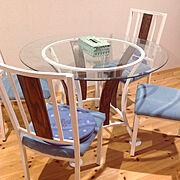 ダイソー/ハンドメイド/DIY/無垢の床/丸テーブル/ホワイト…などのインテリア実例