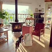 ねこのいる風景/ピアノコーナー/アンティークキャビネット/笑顔で/いってらっしゃい♡/グリーンのある暮らし…などのインテリア実例