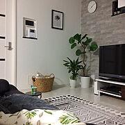 フェイクグリーン/中庭のある家/オシャレにしたい/大理石調の床/海外インテリアに憧れる/植物のある暮らし…などのインテリア実例