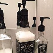 一人暮らし/ジャックダニエル/男前インテリア/モノトーン/酒瓶リメイク/Bathroom…などのインテリア実例