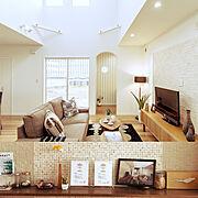 Lounge/木/手作り/アクセントウォール/配色/飾り…などのインテリア実例