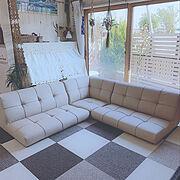 アップライトピアノ/Lounge/コーナーローソファー/プラハン手作り/わんこのいる暮らし…などのインテリア実例