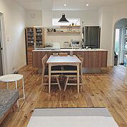 ウニコソファ/IKEA サイドテーブル/飾り棚/バーズワーズ/リサラーソン/ダイニング…などのインテリア実例