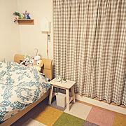 ロディ/壁に付けられる家具/無印良品/クッキー&ジェラトーニ&ステラ・ルー/ニトリの布団カバー…などのインテリア実例