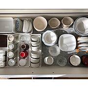 整理整頓/引き出し収納/ズボラ掃除/キッチンボード/食器収納/ペットと暮らす…などのインテリア実例
