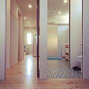 寝室/洗面所/サンゲツ/ヒノキの床/新築/平屋…などのインテリア実例