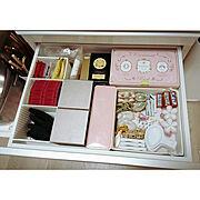 食器棚の中のインテリア実例写真