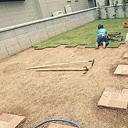 芝生DIY/芝生/芝生の庭/レンガの小道DIY/レンガの小道/庭…などのインテリア実例