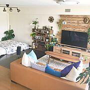 ニトリ/掛け時計/植物/ベッドカバー/いなざうるす屋さん/フェイクグリーン…などのインテリア実例