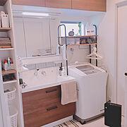 ヘアアイロン置き場/ポトス水挿し/セリアモザイクタイルシール/洗面所/LIXIL洗面台…などのインテリア実例
