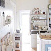 シンプルにしたい/食器棚/リメイクシート/100均/ダイソー/リメイクシート レンガ…などに関連する他の写真