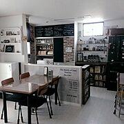 DIY棚/クラフト袋収納/レンガ壁紙/コンクリート調壁紙/squ+ウォールステッカー/セリア瓶で調味料収納…などのインテリア実例