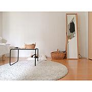 カゴ収納/無垢床/吊るす収納/シナベニヤ/1R/見せる収納…などのインテリア実例