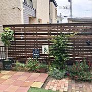 手作りのお庭♡/ガーデニング/建売住宅/ウッドフェンス/フォロワーさんに感謝♡/皆さんのお陰で励みになってます♡…などのインテリア実例
