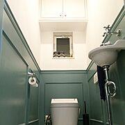 トイレ/腰壁/Farrow&Ball /いなざうるす屋さん/トイレブラシ/IKEA…などのインテリア実例