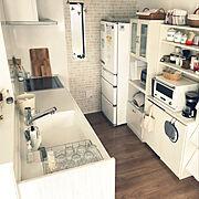 カフェ風キッチン/カゴ大好き♡/連続投稿失礼します!/デロンギコーヒーメーカー/バルミューダ オーブンレンジ…などのインテリア実例