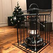 クリスマスツリー/ストーブ/里山エンジン/ストーブガード/アラジンストーブ/アラジンブルーフレーム…などのインテリア実例