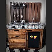 こどものいる暮らし/100均DIY/おままごとキッチン/ブライワックス/BRIWAX…などのインテリア実例