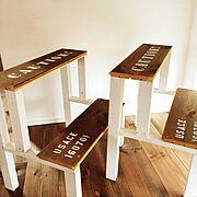 My Desk/ステンシル/DIY/踏み台/端材 DIY/無垢材…などのインテリア実例