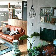 壁紙屋本舗/ブログよかったら見てみて下さい♩/キッズスペース/リメイク雑貨/アンティークトランク…などのインテリア実例