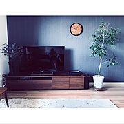 シンプルが好き/アクセントクロス/rin/ウォールナット好き/グレー好き♡/テレビボード…などのインテリア実例