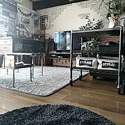 テレビ周り/ナチュラルインテリア/飾り棚/照明/白テレビ/一枚板テーブル…などに関連する他の写真