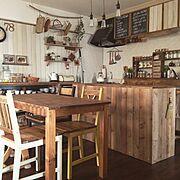 インスタ→chii_ne/ブログ更新しました(*´艸'*)/もとは食器棚/DIY…などのインテリア実例